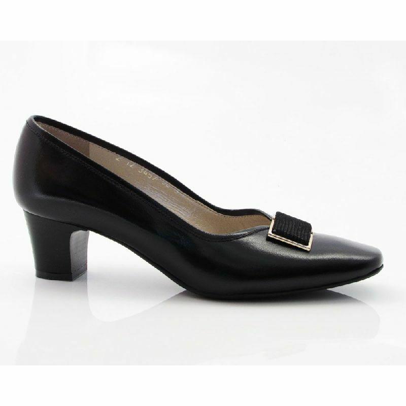 Anis cipő, fekete,kis sarkú, bőr, 3457