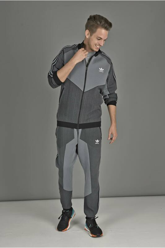Adidas ORIGINALS Férfi Végigzippes pulóver, Fekete PLGN TT, CW5108
